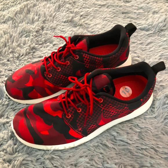 d1d787a1bf0e Nike Roshe One Print Run Daring Gym Red -Sz 10. M 5aefcfb39d20f00428a16514